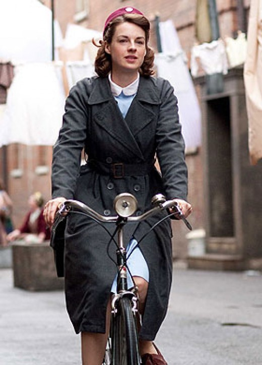 Jenny Lee, Midwife on her Bike