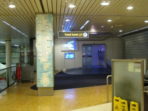 Amsterdam Airport Schiphol - Yotel hotel