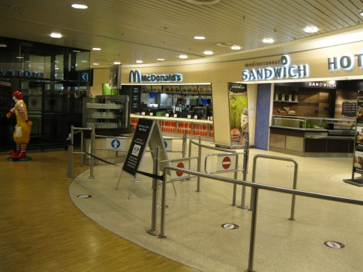 Amsterdam Airport Schiphol - A choice of fast food establishments
