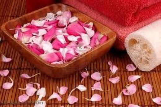 Petals to scatter around the dining table, bathroom & bedroom