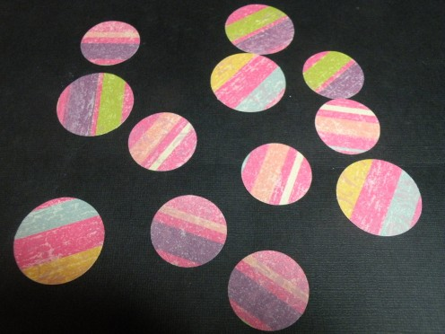 Random round punched circles