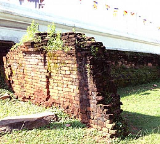 Old brick structures behind Kiri Vehera.