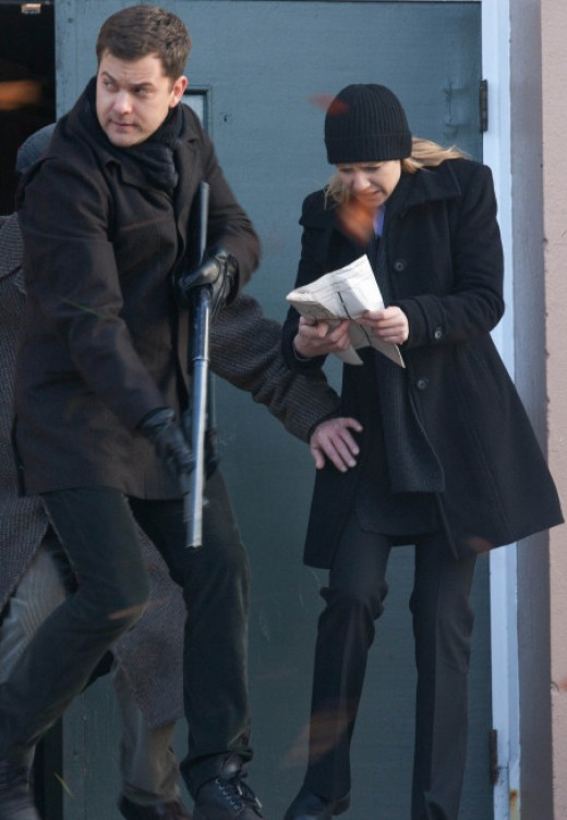 "Jackson and Torv solve another mystery on ""Fringe."""
