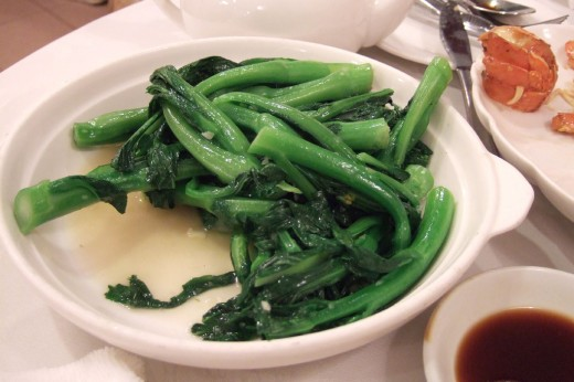 Stir-Fried Choy Sum with Oyster Sauce and Garlic