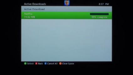 The progress bar displays the progress of downloading the Netflix app.