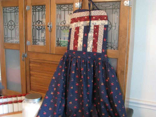 Amish Quilt Top Apron in Antique Blues