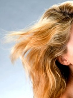 Best Treatment for Dry Hair using Natural Home Remedies