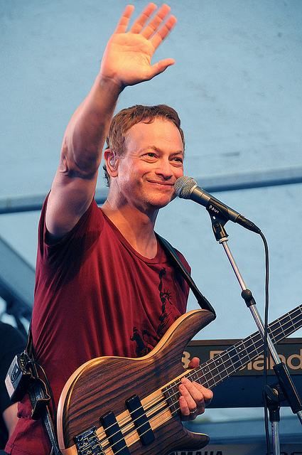 "GARY SINISE, STAR OF CSI: NEW YORK AND ""LIEUTENANT DAN,"" OF FORREST GUMP, PLAYS IN A JAZZ CLUB WITH HIS BAND, ""THE LT. DAN BAND."""