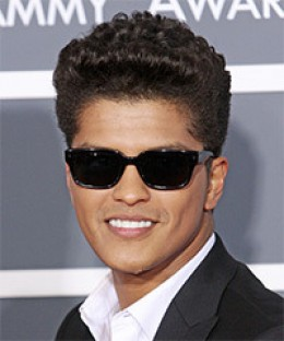 Bruno Mars channelling Chuck Berry