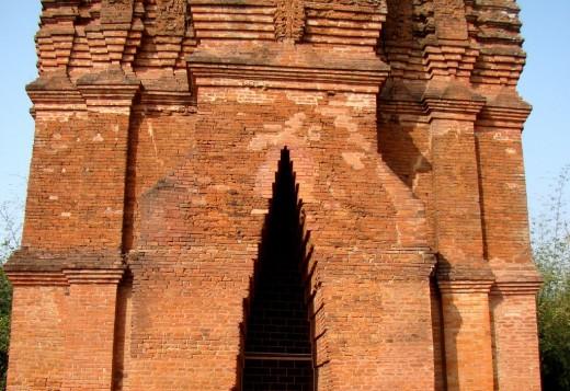 Corbel arch entrance