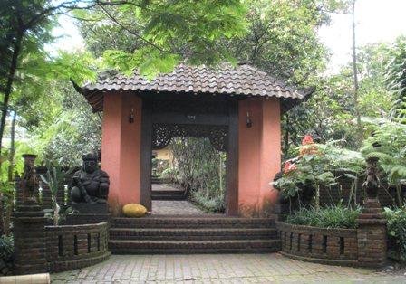 The Main entrance of Kaliandra Sejati