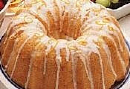 7-up cake with lemon glaze