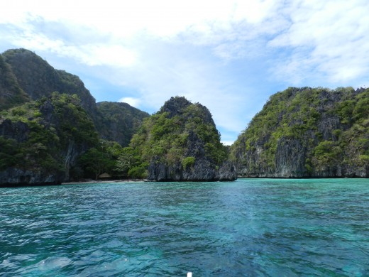 The entrance to Big Lagoon in El Nido gives a small glimpse of the natural beauty that awaits the traveler.