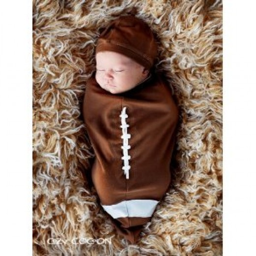 Football fans will love wrapping their baby in this warm, cozy bunting.