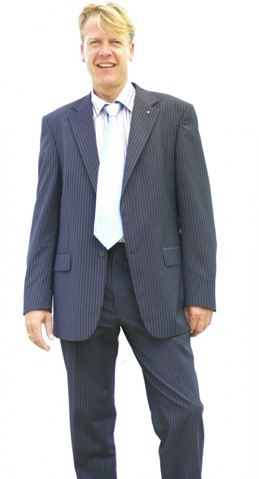 Wearing a blazer? A tad too long or a tad too short can immediately emphasize your short body frame.