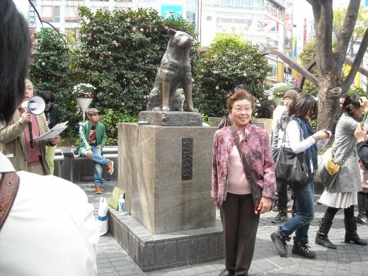 "Statue of ""Hachiko"", just outside Shibuya station."