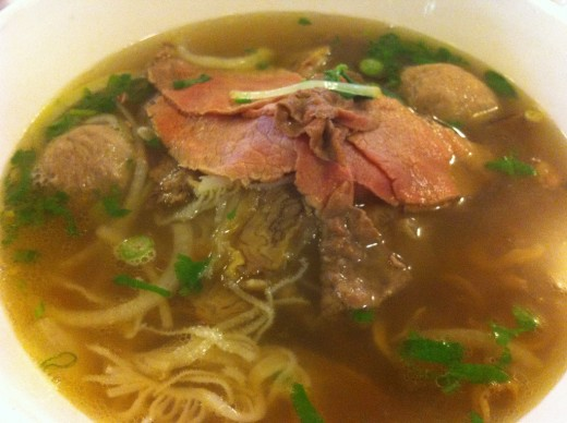 Pho Bo with beef tripe and beef balls