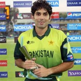 Misbah-ul-Haq  is  never a great finisher like Dhoni of Hindustan