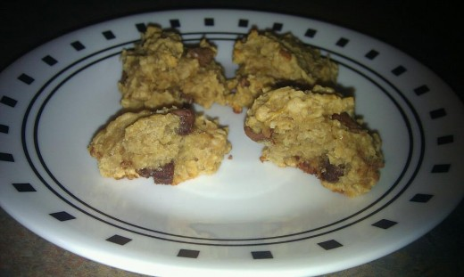 Peanut butter oatmeal cookies with banana and chocolate chips, chewy and yummy!
