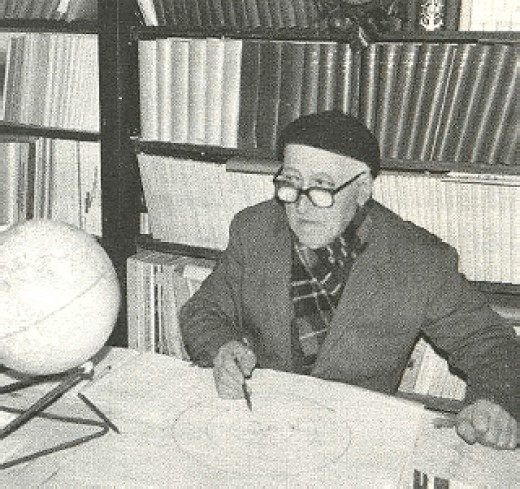 Bendandi with Parallelograms in his Study in the 1970s