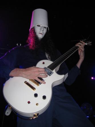 5 Gitaris Terbaik Favorit Ane Dalam Memainkan Gitar Gibson Les Paul