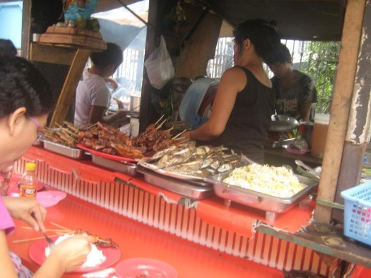 Food cart outlets in the local food industry, is one sources of food-borne illnesses here in the Philippines (Photo by Travel Man)