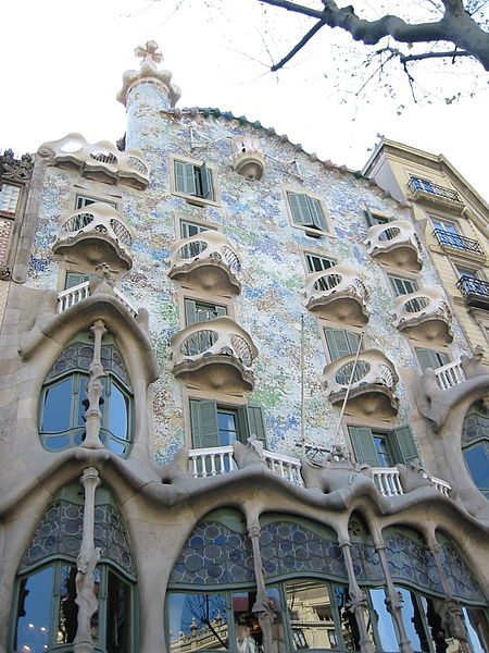 Art Nouveau in architecture: Casa Batlló, Barcelona by Gaudi