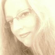 Jeni Pari profile image