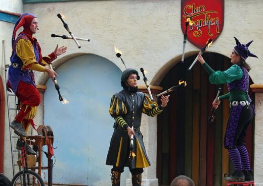 Three jugglers at once