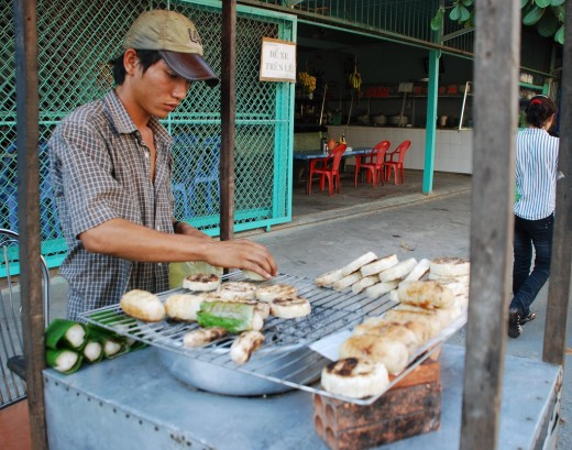 Chuoi Nuong - street hawker