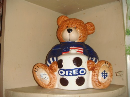Hand painted ceremic Oreo cookie jar