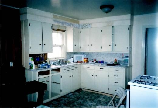 Flat front kitchen cabinet doors before.