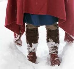 Winter leggings worn with tunic and cloak