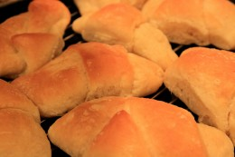 Use refrigerator crescent rolls to make beef and cabbage bundles.