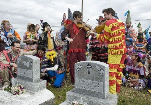 "Standing beside the grave of the legendary Cajun fiddler Dennis McGee, Linzay Young of the Red Stick Ramblers (in the cowboy hat) sings Dennis McGee's ""Ma chère bébé créole"" with fiddlers Chris Stafford and Joel Savoy (formerly of the Red Stick Rambl"