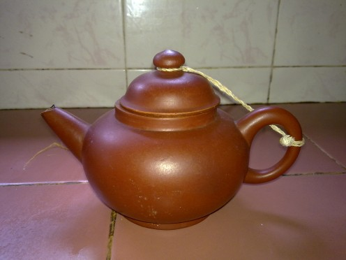 Clay type chinese teapot, my mother in law bought it from flea market