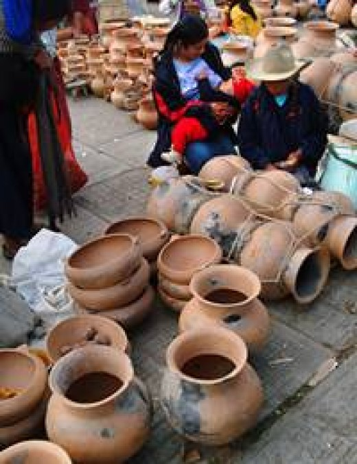 Pottery available for purchase in Tonala