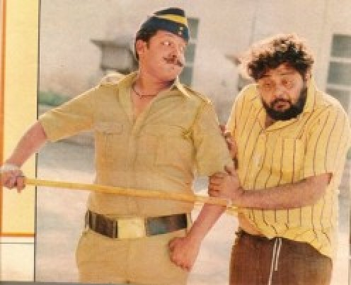 Sameer Khakhar and Ajay Wadhavkar in Nukkad