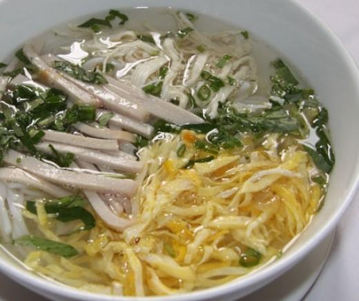 Hanoi Rice Vermicelli Noodle Soup - Bun Thang