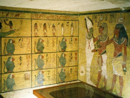 Richly pained walls of the burial chamber of King Tut