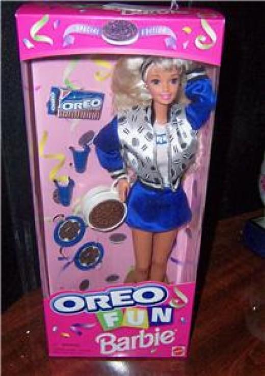 Oreo Fun Barbie in Pink Box