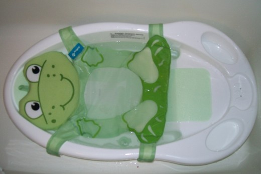 Funtime Froggy Bath Center from Safety 1st.