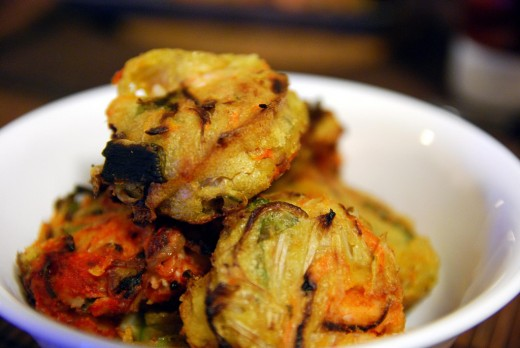 Shrimp and Vegetable Fritters (Bakwan Sayur Udang)