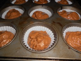 put one desert spoon mixture into cup cake papers