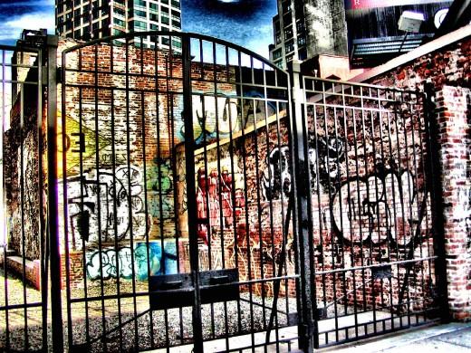 NYC graffitti © Eric Heifetz