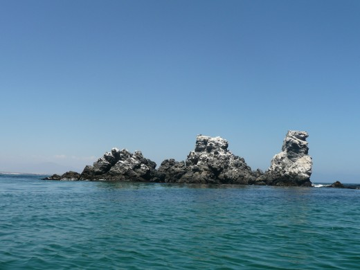 Even the rocks on Damas Island look like animals.