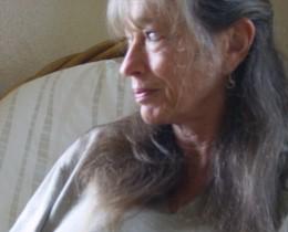 Professional astrologer Hara Davis