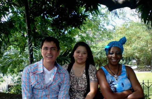 with CS'er Milo and peace corp friend SallyRose from Zambia @ the Fort Santiago