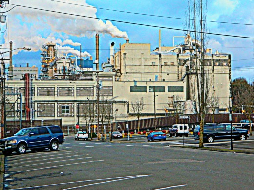This is the factory that kept the town in existence along with it's sulphur smell when the wind blows toward town.