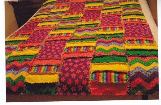 Raggedy flnnel quilt